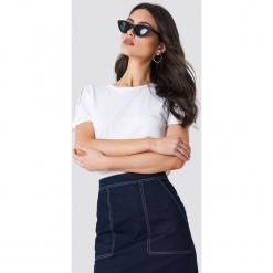 MANGO T-shirt z wiązanym rękawem - White. Białe t-shirty damskie Mango, z klasycznym kołnierzykiem. Za 40.95 zł.