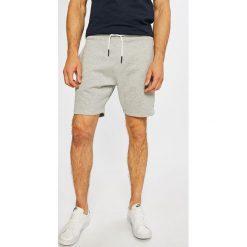 Tommy Jeans - Szorty. Szorty męskie marki Tommy Jeans. W wyprzedaży za 199.90 zł.
