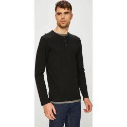 Tom Tailor Denim - Longsleeve. Czarne bluzki z długim rękawem męskie Tom Tailor Denim, z bawełny, z okrągłym kołnierzem. W wyprzedaży za 99.90 zł.