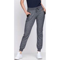 Granatowe Spodnie Dresowe Up Heels. Szare spodnie dresowe damskie Born2be, z dresówki. Za 19.99 zł.