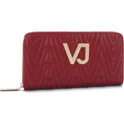Duży Portfel Damski VERSACE JEANS - E3VSBPI1 70784 331. Czerwone portfele damskie Versace Jeans, z jeansu. Za 369.00 zł.
