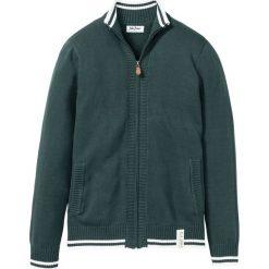 Sweter rozpinany ze stójką bonprix ciemnozielony. Kardigany męskie marki bonprix. Za 89.99 zł.