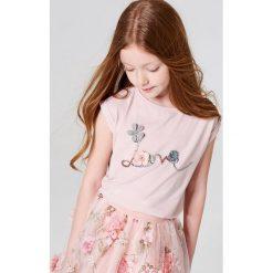 Dziewczęca koszulka z błyszczącą aplikacją little princess - Różowy. T-shirty damskie marki bonprix. W wyprzedaży za 19.99 zł.