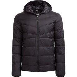 Kurtka puchowa męska  KUM600 - CZARNY MATOWY - Outhorn. Czarne kurtki męskie Outhorn, na jesień, z materiału. W wyprzedaży za 139.99 zł.