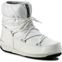 Śniegowce MOON BOOT - W.E. Low Nylon Wp 24006200002  Bianco/Argento. Śniegowce i trapery damskie Moon Boot, z materiału. W wyprzedaży za 389.00 zł.
