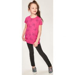 T-shirt z kontrastowym nadrukiem - Różowy. T-shirty damskie marki bonprix. W wyprzedaży za 9.99 zł.