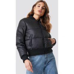 NA-KD Trend Puchowa kurtka ze ściągaczem - Black. Czarne kurtki damskie NA-KD Trend, z materiału. Za 323.95 zł.