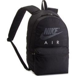 Plecak NIKE - BA5777 010. Czarne plecaki damskie Nike, z materiału, sportowe. Za 119.00 zł.