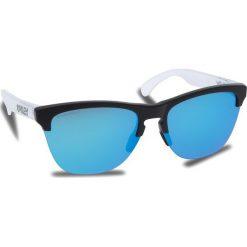 Okulary przeciwsłoneczne OAKLEY - Frogskins Lite OO9374-0263 Matte Black/Matte Clear/Prizm Sapphire Iridium. Białe okulary przeciwsłoneczne damskie Oakley. W wyprzedaży za 449.00 zł.