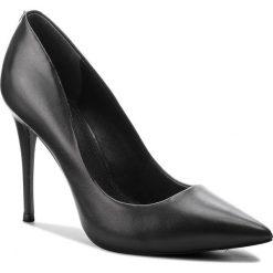 Szpilki GUESS - FLOKY4 LEA08  BLACK. Czarne szpilki damskie Guess, ze skóry. Za 669.00 zł.