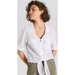 589f96ab6b72cc Koszule damskie ze sklepu Cropp - Kolekcja lato 2019 - Chillizet.pl