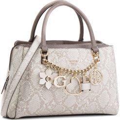 Torebka GUESS - HWPG69 96060 NPY. Szare torebki do ręki damskie Guess, ze skóry ekologicznej. W wyprzedaży za 479.00 zł.