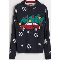 Sweter ze święcącymi lampkami - Wielobarwn. Czarne swetry przez głowę męskie Reserved. Za 119.99 zł.