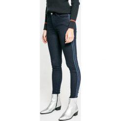 Pepe Jeans - Jeansy Regent Sporty. Niebieskie jeansy damskie Pepe Jeans. W wyprzedaży za 269.90 zł.