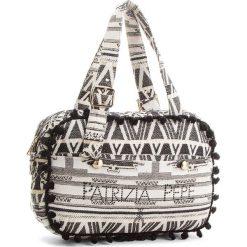 Torebka PATRIZIA PEPE - 2V7743/A3FJ-XS48 Bianco/Nero. Białe torebki do ręki damskie Patrizia Pepe, z materiału. W wyprzedaży za 519.00 zł.