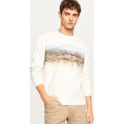 Bluza z górzystym nadrukiem - Kremowy. Białe bluzy męskie Reserved, z nadrukiem. Za 69.99 zł.