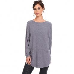 """Sweter """"Fiona"""" w kolorze szarym. Szare swetry damskie Cosy Winter, ze splotem, z okrągłym kołnierzem. W wyprzedaży za 181.95 zł."""