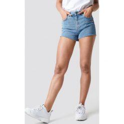 Trendyol Szorty jeansowa z surowym brzegiem - Blue. Niebieskie szorty damskie Trendyol, z denimu. W wyprzedaży za 56.67 zł.