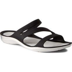 Klapki CROCS - Swiftwater Sandal W 203998 Black/White. Czarne klapki damskie Crocs, z tworzywa sztucznego. W wyprzedaży za 139.00 zł.