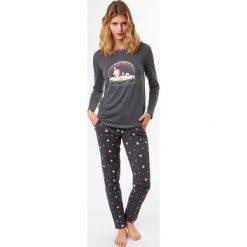Etam - Bluzka piżamowa Alma. Piżamy damskie Etam, z nadrukiem, z bawełny. W wyprzedaży za 39.90 zł.