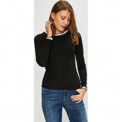 Trendyol - Bluzka. Czarne bluzki damskie Trendyol, z dzianiny, casualowe, z okrągłym kołnierzem. Za 59.90 zł.