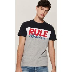 T-shirt z nadrukiem - Wielobarwn. Szare t-shirty męskie House, z nadrukiem. Za 39.99 zł.