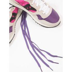 Saucony DXN VINTAGE Tenisówki i Trampki white/pink/purple. Trampki i tenisówki damskie Saucony, z materiału. W wyprzedaży za 356.15 zł.