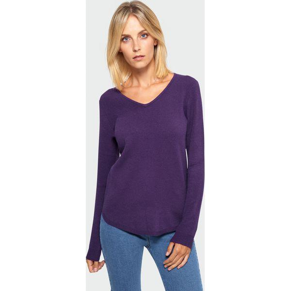 Sweter damski z dekoltem w serek fioletowy