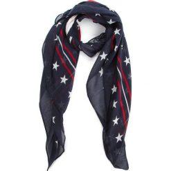 Chusta TOMMY JEANS - Tjw Repeat Stars Sca AW0AW05623  901. Niebieskie szaliki i chusty damskie Tommy Jeans, z bawełny. Za 129.00 zł.