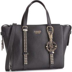 Torebka GUESS - HWVG7 169060 BLA. Czarne torebki do ręki damskie Guess, z aplikacjami, ze skóry ekologicznej. Za 699.00 zł.