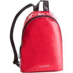 Plecak CALVIN KLEIN - Ck Essentials Backpack K60K604811 640. Czerwone plecaki damskie Calvin Klein, z materiału, sportowe. Za 349.00 zł.