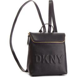 Plecak DKNY - Tilly Sm Backpack R83KZ703 Blk/Gold BGD. Czarne plecaki damskie DKNY, ze skóry ekologicznej. Za 639.00 zł.