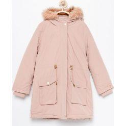 Ocieplana kurtka parka - Różowy. Czerwone kurtki i płaszcze dla dziewczynek Reserved. Za 189.99 zł.
