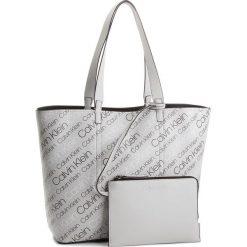 Torebka CALVIN KLEIN - Inside Out Large Sho K60K604301  910. Białe torebki do ręki damskie Calvin Klein, ze skóry ekologicznej. W wyprzedaży za 479.00 zł.