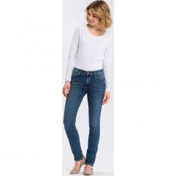 """Dżinsy """"Anya"""" - Slim fit - w kolorze niebieskim. Niebieskie jeansy damskie Cross Jeans. W wyprzedaży za 136.95 zł."""