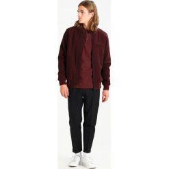 AllSaints TALLIS Spodnie garniturowe charcoal. Eleganckie spodnie męskie marki House. Za 779.00 zł.