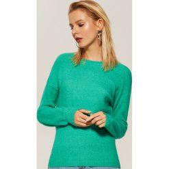 Sweter z szerokimi rękawami - Zielony. Swetry damskie marki bonprix. W wyprzedaży za 39.99 zł.