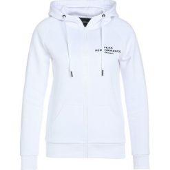 Peak Performance LOGO Bluza rozpinana white. Bluzy sportowe damskie Peak Performance, z bawełny. Za 549.00 zł.