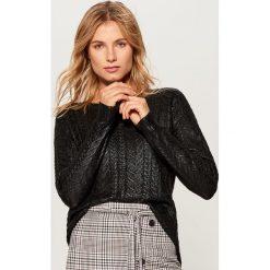 Sweter z warkoczowym splotem - Czarny. Czarne swetry damskie Mohito, ze splotem. Za 119.99 zł.