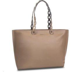 Torebka COCCINELLE - CL5 Naive E1 CL5 11 02 01 Taupe/Bleu 690. Brązowe torebki do ręki damskie Coccinelle, ze skóry. W wyprzedaży za 909.00 zł.