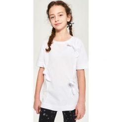 Biały t-shirt - Biały. T-shirty damskie marki Reserved. W wyprzedaży za 14.99 zł.