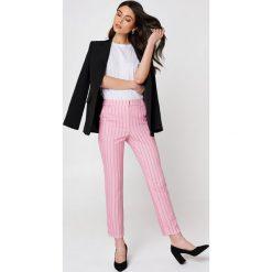 Trendyol Proste spodnie w paski - Pink. Paski damskie Trendyol, z haftami. Za 165.95 zł.
