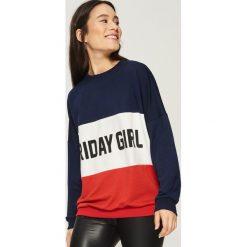 Bluza w poziome bloki kolorów - Wielobarwn. Szare bluzy damskie Sinsay. Za 59.99 zł.