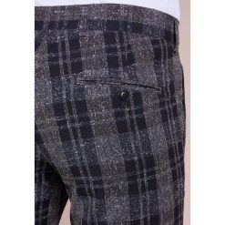 Tiger of Sweden GORDON Spodnie garniturowe ligh ink. Eleganckie spodnie męskie marki House. Za 719.00 zł.