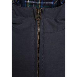 American Outfitters Kurtka zimowa dark navy. Kurtki i płaszcze dla chłopców American Outfitters, na zimę, z bawełny. W wyprzedaży za 407.20 zł.