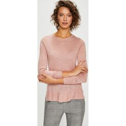 Vero Moda - Sweter. Różowe swetry damskie Vero Moda, z dzianiny, z okrągłym kołnierzem. W wyprzedaży za 99.90 zł.