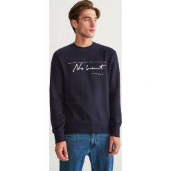 Bluza ze strukturalnej dzianiny - Granatowy. Niebieskie bluzy męskie Reserved, z dzianiny. Za 99.99 zł.