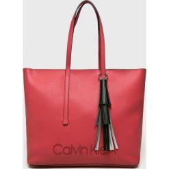 Calvin Klein - Torebka Pop. Różowe torby na ramię damskie Calvin Klein. Za 629.90 zł.