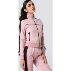 NA-KD Bluza sportowa z suwakiem - Pink. Różowe bluzy sportowe damskie NA-KD, z poliesteru. Za 202.95 zł.