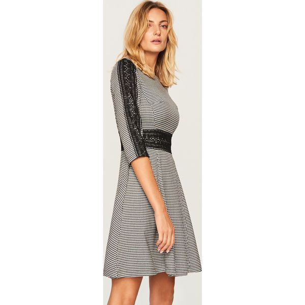 a07b64e08e6f4b Sukienka w pepitkę - Jasny szar - Sukienki damskie Reserved. W ...